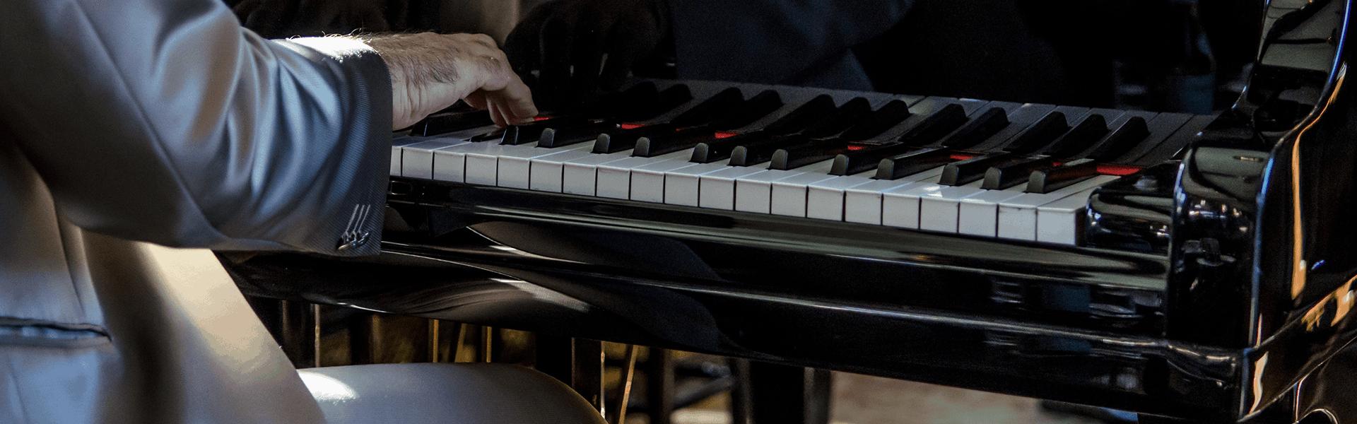 Klaviere und Flügel mieten