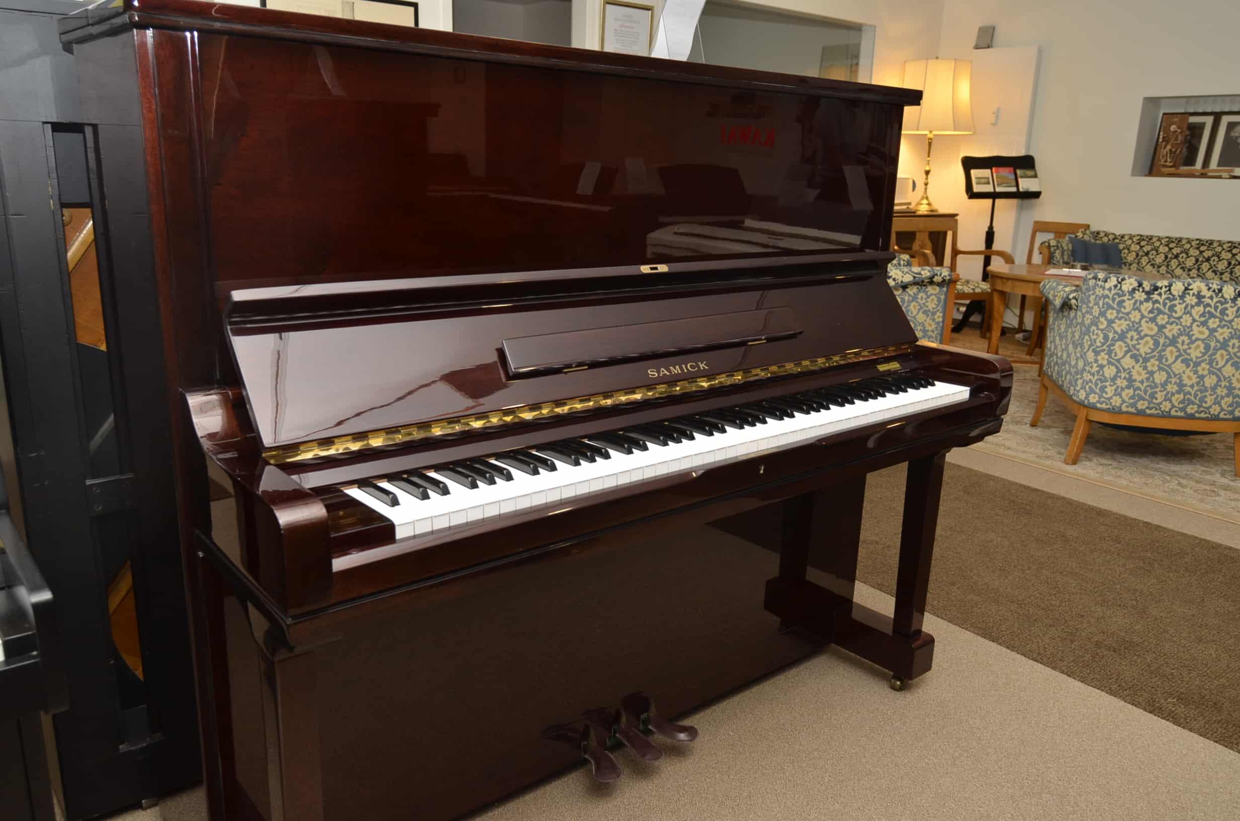 Samick Klavier
