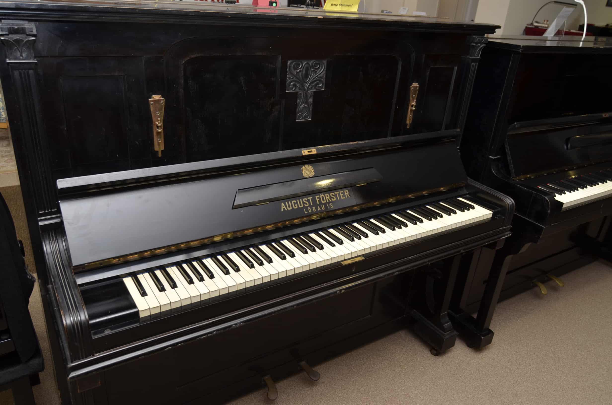 August Förster Klavier 137